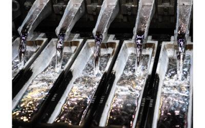 Faszination Technik: Abgießen von flüssigem Aluminium