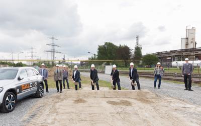 SALCOS: Spatenstich für flexibel mit Erdgas und Wasserstoff betreibbare DRI-Anlage in Salzgitter