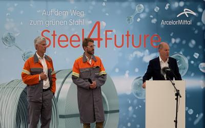 Grüner Stahl: Olaf Scholz besucht ArcelorMittal Hamburg