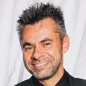 Dr. Sergey Konovalov 300 Breite Final